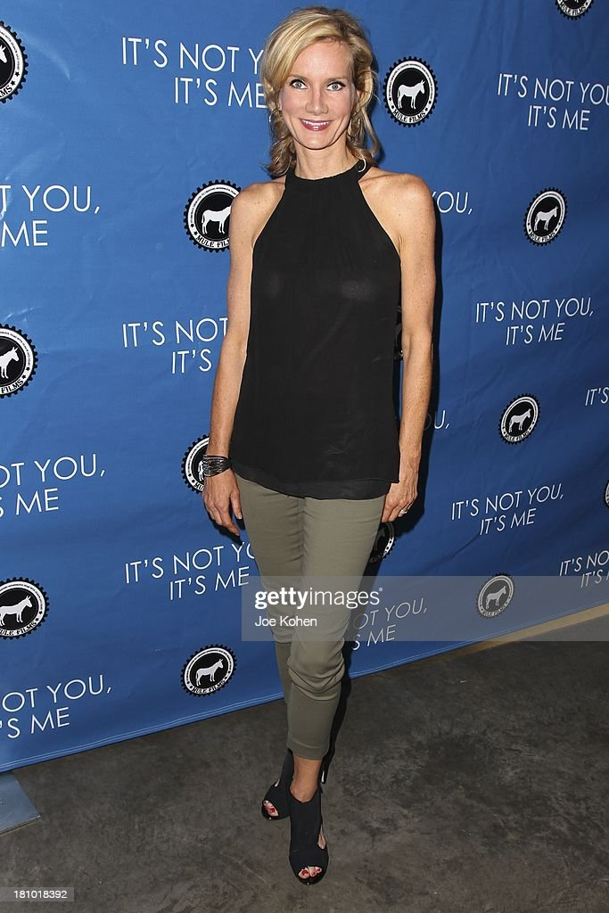 Actress <a gi-track='captionPersonalityLinkClicked' href=/galleries/search?phrase=Beth+Littleford&family=editorial&specificpeople=2736520 ng-click='$event.stopPropagation()'>Beth Littleford</a> attends the Los Angeles Premiere of 'It's Not You, It's Me' at Downtown Independent Theatre on September 18, 2013 in Los Angeles, California.