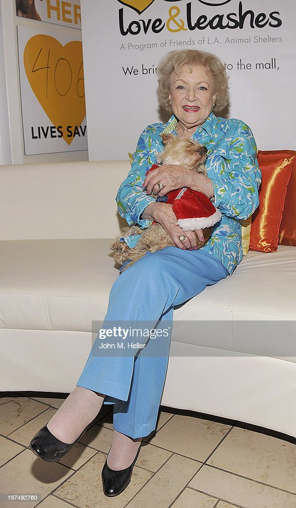 Actress <a gi-track='captionPersonalityLinkClicked' href=/galleries/search?phrase=Betty+White&family=editorial&specificpeople=213602 ng-click='$event.stopPropagation()'>Betty White</a> attends at the One Year Anniversary Of L.A. Love & Leashes at the Westside Pavilion on December 3, 2012 in Los Angeles, California.