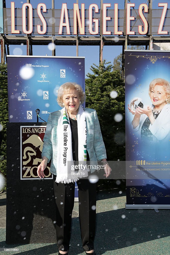 Actress <a gi-track='captionPersonalityLinkClicked' href=/galleries/search?phrase=Betty+White&family=editorial&specificpeople=213602 ng-click='$event.stopPropagation()'>Betty White</a> attends Betty 'White Out' Tour at The Los Angeles Zoo with The Lifeline Program at Los Angeles Zoo on December 11, 2012 in Los Angeles, California.
