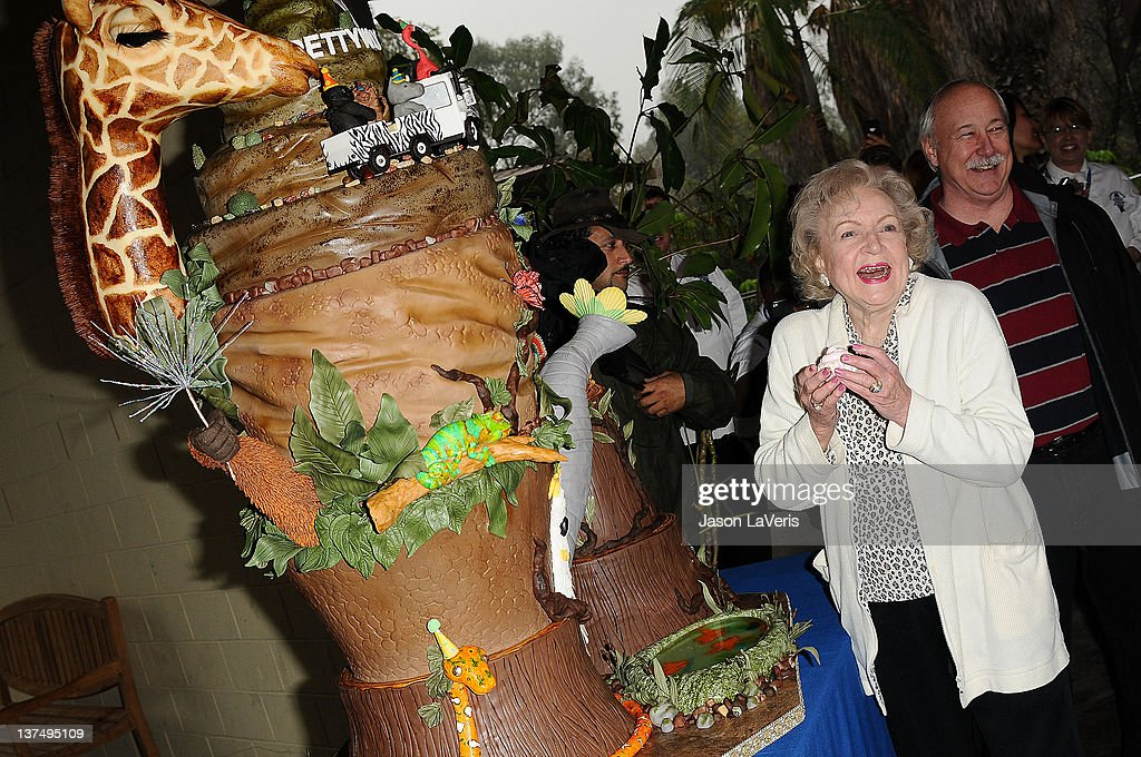 Actress <a gi-track='captionPersonalityLinkClicked' href=/galleries/search?phrase=Betty+White&family=editorial&specificpeople=213602 ng-click='$event.stopPropagation()'>Betty White</a> celebrates her 90th birthday at Los Angeles Zoo on January 21, 2012 in Los Angeles, California.