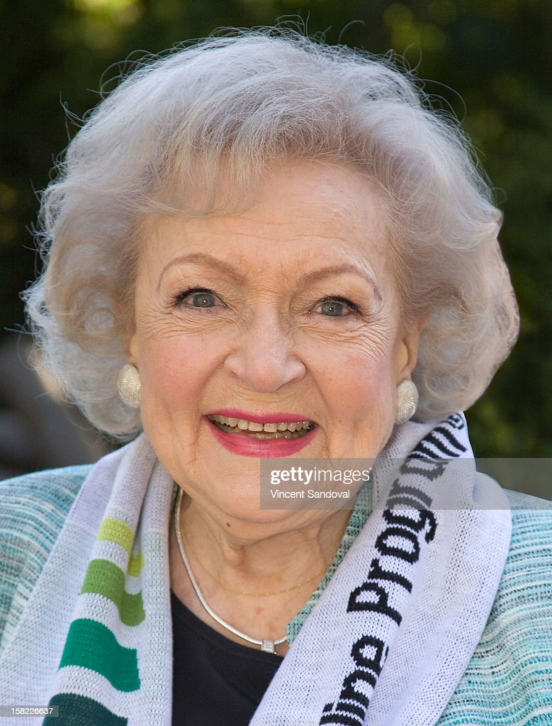 Actress <a gi-track='captionPersonalityLinkClicked' href=/galleries/search?phrase=Betty+White&family=editorial&specificpeople=213602 ng-click='$event.stopPropagation()'>Betty White</a> hosts the 'White Hot' holiday event at Los Angeles Zoo on December 11, 2012 in Los Angeles, California.