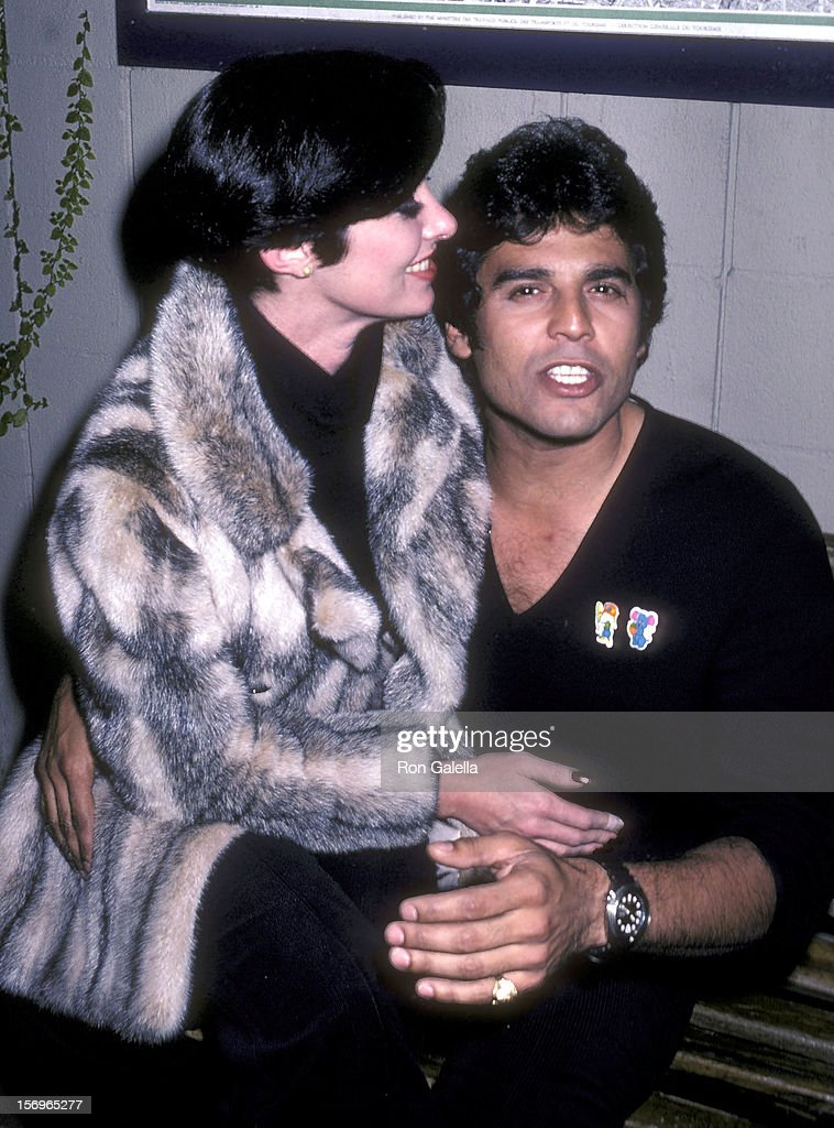 Actress Beverly Sasson and actor Erik Estrada on January 22, 1981 dine at Ma Maison Restaurant in West Hollywood, California.