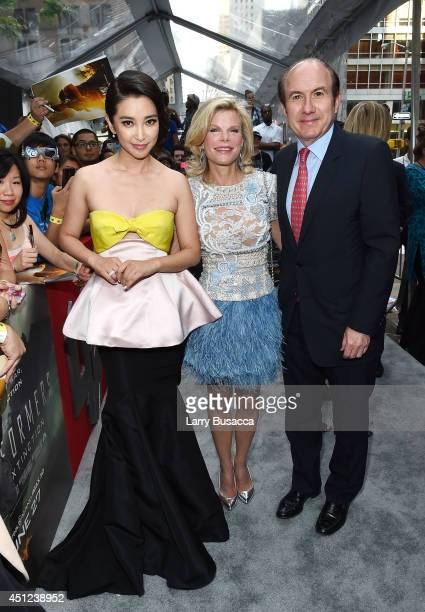 Actress Bingbing Li Deborah Dauman and President and CEO of Viacom Philippe Dauman attend the New York Premiere of 'Transformers Age Of Extinction'...