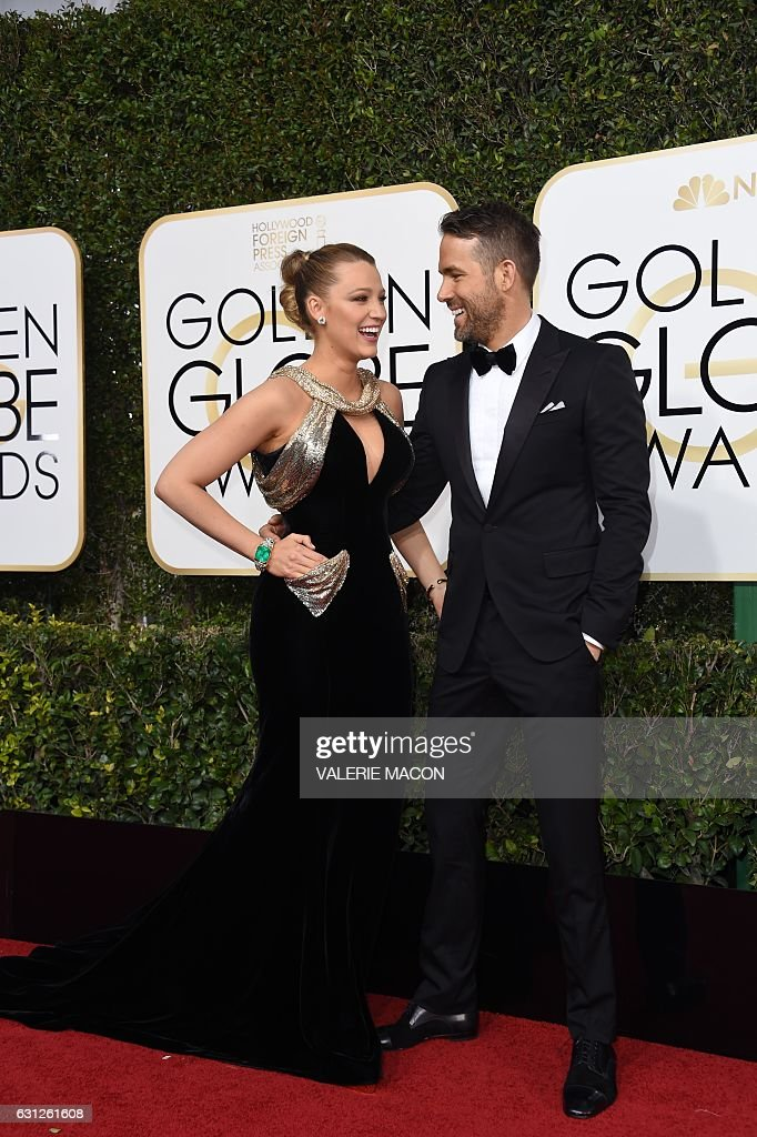TOPSHOT - Actress Blake Lively and husband Ryan Reynolds arrive at the 74th annual Golden Globe Awards, January 8, 2017, at the Beverly Hilton Hotel in Beverly Hills, California. / AFP / VALERIE