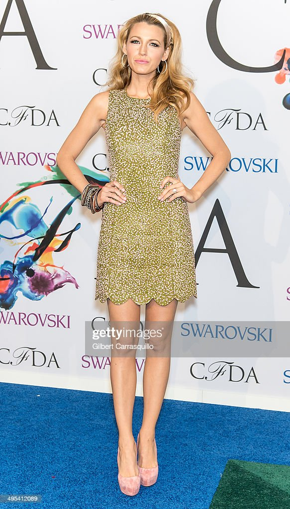 Actress <a gi-track='captionPersonalityLinkClicked' href=/galleries/search?phrase=Blake+Lively&family=editorial&specificpeople=221673 ng-click='$event.stopPropagation()'>Blake Lively</a> attends the 2014 CFDA fashion awards at Alice Tully Hall, Lincoln Center on June 2, 2014 in New York City.