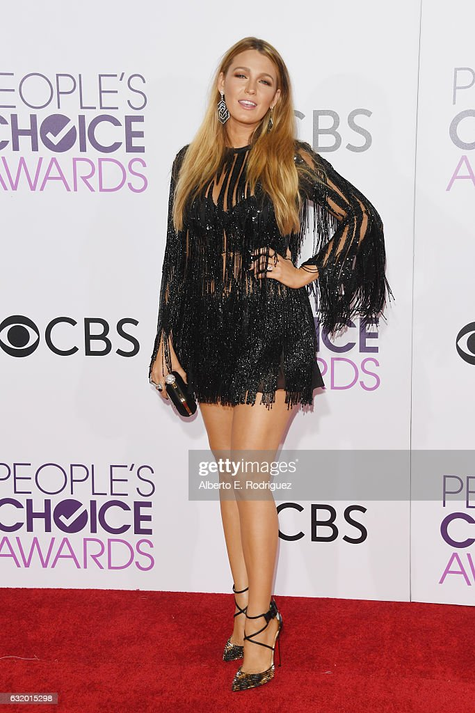 actress-blake-lively-attends-the-peoples-choice-awards-2017-at-on-picture-id632015298
