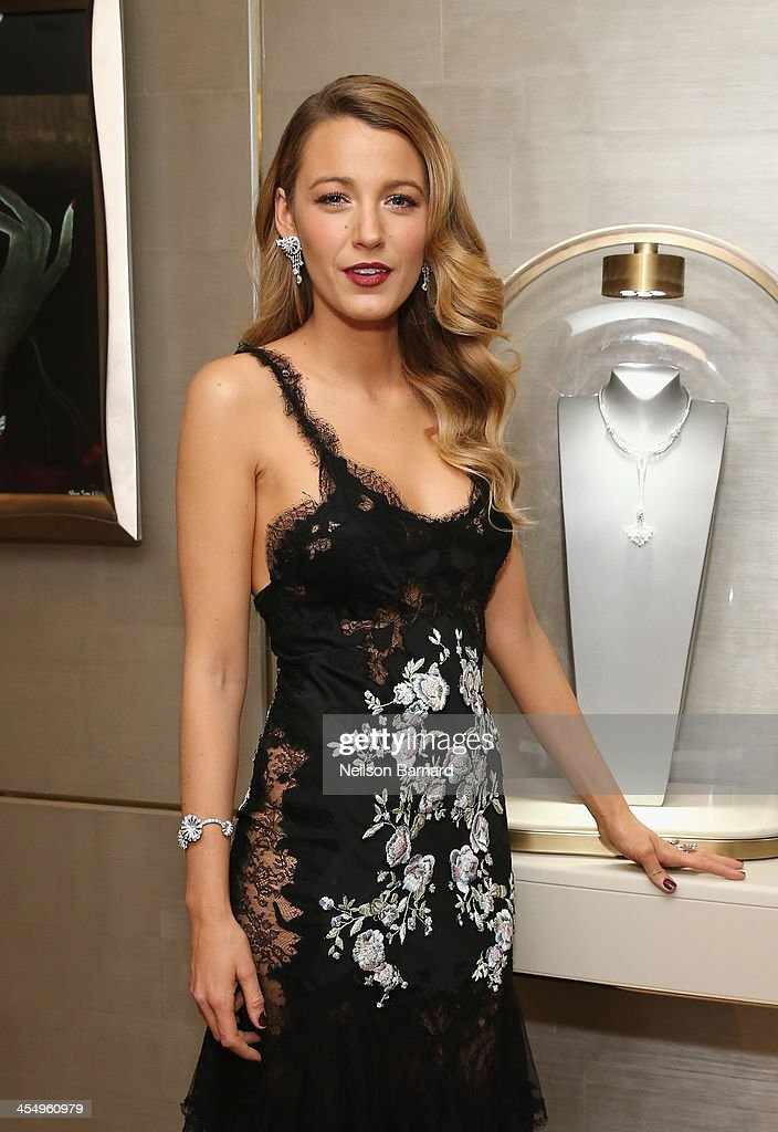 Actress Blake Lively attends the unveiling of Van Cleef & Arpels redesigned New York 5th Avenue Flagship Maison at Van Cleef & Arpels on December 10, 2013 in New York City.
