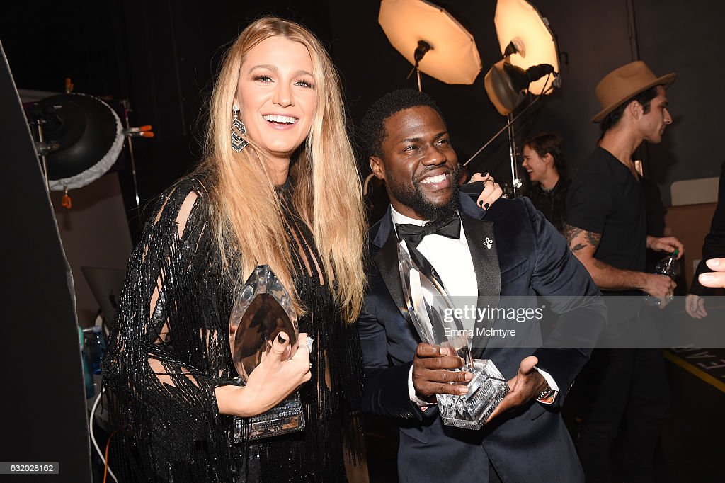 Actress Blake Lively (L), winner of the Favorite Dramatic Movie Actress award, and actor Kevin Hart, winner of the Favorite Comedic Movie Actor award, pose backstage at the People's Choice Awards 2017 at Microsoft Theater on January 18, 2017 in Los Angeles, California.