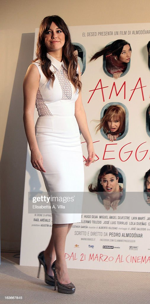 Actress Blanca Suarez attends 'Los Amantes Pasajeros' (Gli Amanti Passeggeri) photocall at Residence Ripetta on March 14, 2013 in Rome, Italy.