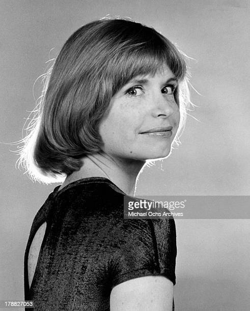 Actress Bonnie Franklin poses for a portrait in circa 1975