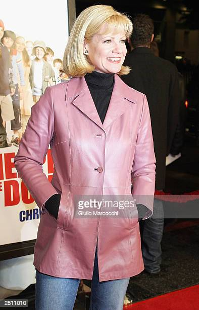 Actress Bonnie Hunt attends the Cheaper By The Dozen Premiere December 14 2003 in Hollywood California
