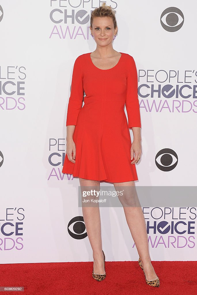 Actress Bonnie Somerville arrives at People's Choice Awards 2016 at Microsoft Theater on January 6 2016 in Los Angeles California