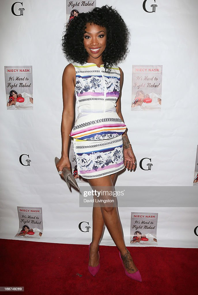 Actress <a gi-track='captionPersonalityLinkClicked' href=/galleries/search?phrase=Brandy+Norwood&family=editorial&specificpeople=202122 ng-click='$event.stopPropagation()'>Brandy Norwood</a> attends a Niecy Nash signing for her book 'It's Hard to Fight Naked' at the Luxe Rodeo Drive Hotel on May 14, 2013 in Beverly Hills, California.