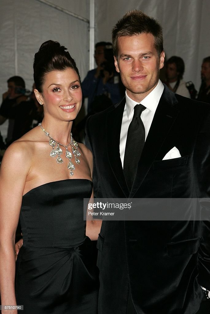 Actress Bridget Moynahan and football player <a gi-track='captionPersonalityLinkClicked' href=/galleries/search?phrase=Tom+Brady+-+Joueur+de+football+am%C3%A9ricain&family=editorial&specificpeople=201737 ng-click='$event.stopPropagation()'>Tom Brady</a> of the New England Patriots attend the Metropolitan Museum of Art Costume Institute Benefit Gala: Anglomania at the Metropolitan Museum of Art May 1, 2006 in New York City.