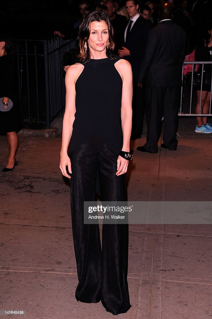 Actress <a gi-track='captionPersonalityLinkClicked' href=/galleries/search?phrase=Bridget+Moynahan&family=editorial&specificpeople=204689 ng-click='$event.stopPropagation()'>Bridget Moynahan</a> attends the Cinema Society & Calvin Klein Collection screening of 'The Hunger Games' at SVA Theatre on March 20, 2012 in New York City.