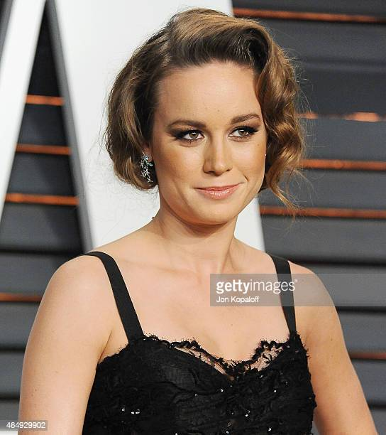 Actress Brie Larson arrives at the 2015 Vanity Fair Oscar Party Hosted By Graydon Carter at Wallis Annenberg Center for the Performing Arts on...