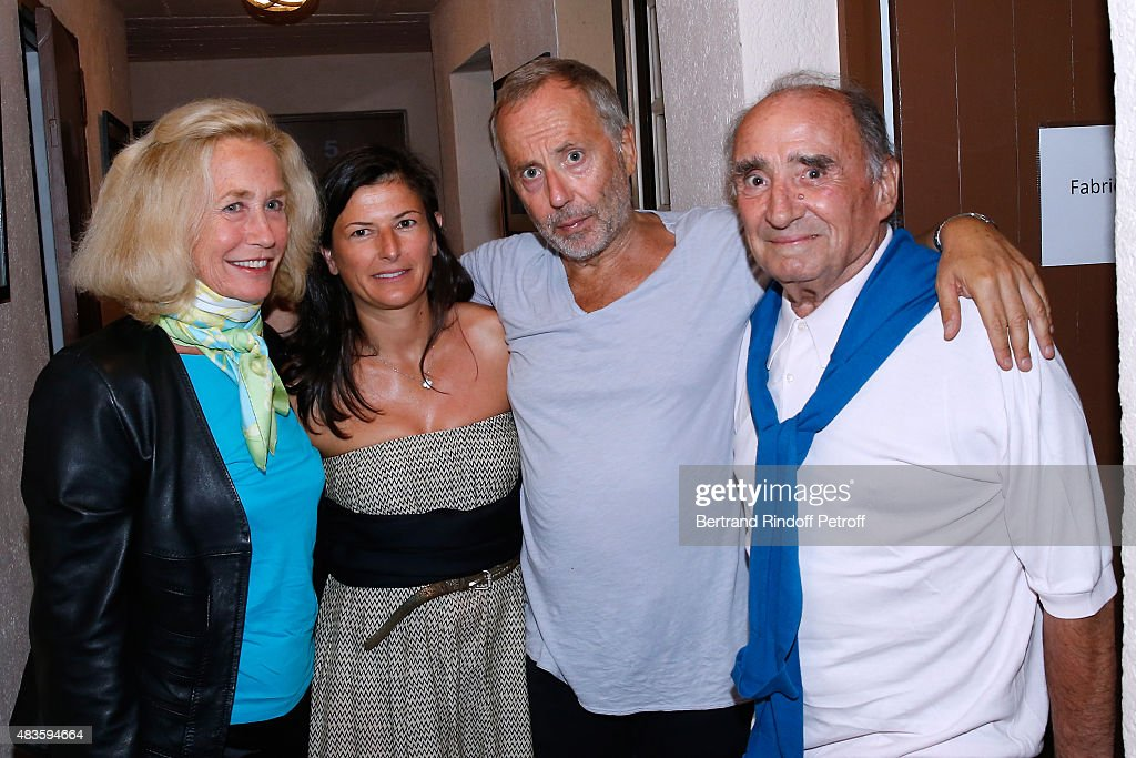 Actress Brigitte Fossey Fabrice Luchini with his companion and Actor Claude Brasseur pose Backstage after 'Fabrice Luchini Poesie ' show during the...