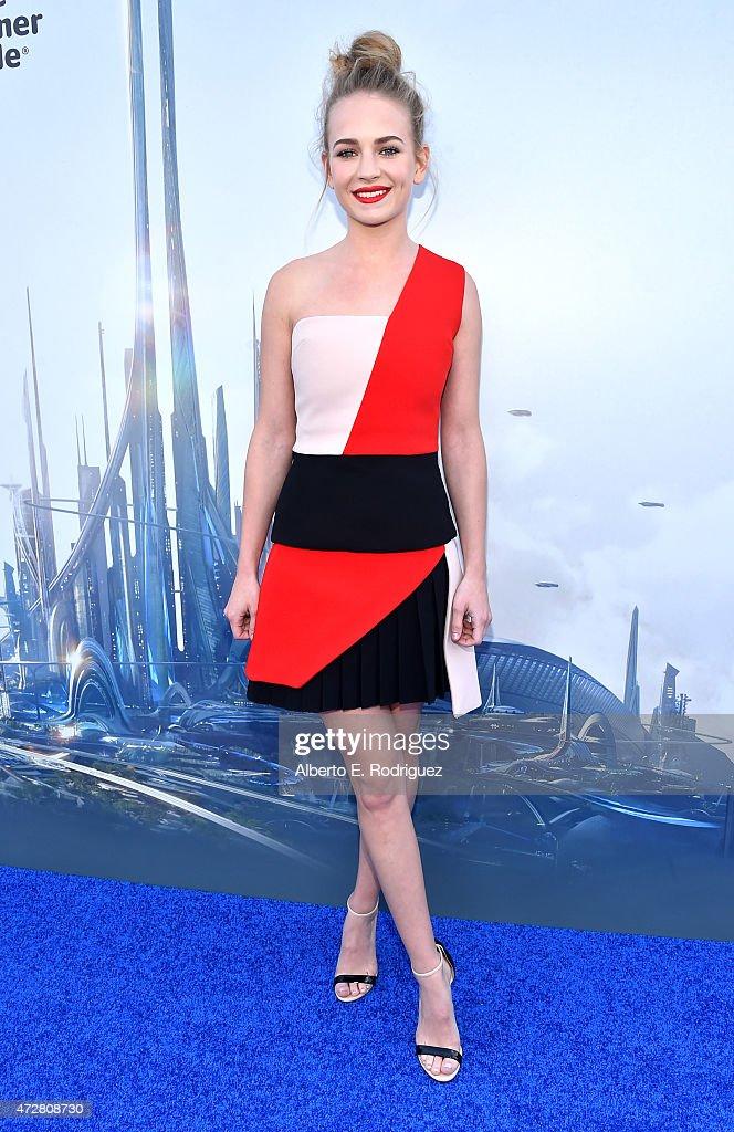 Actress Britt Robertson attends the world premiere of Disney's 'Tomorrowland' at Disneyland, Anaheim on May 9, 2015 in Anaheim, California.