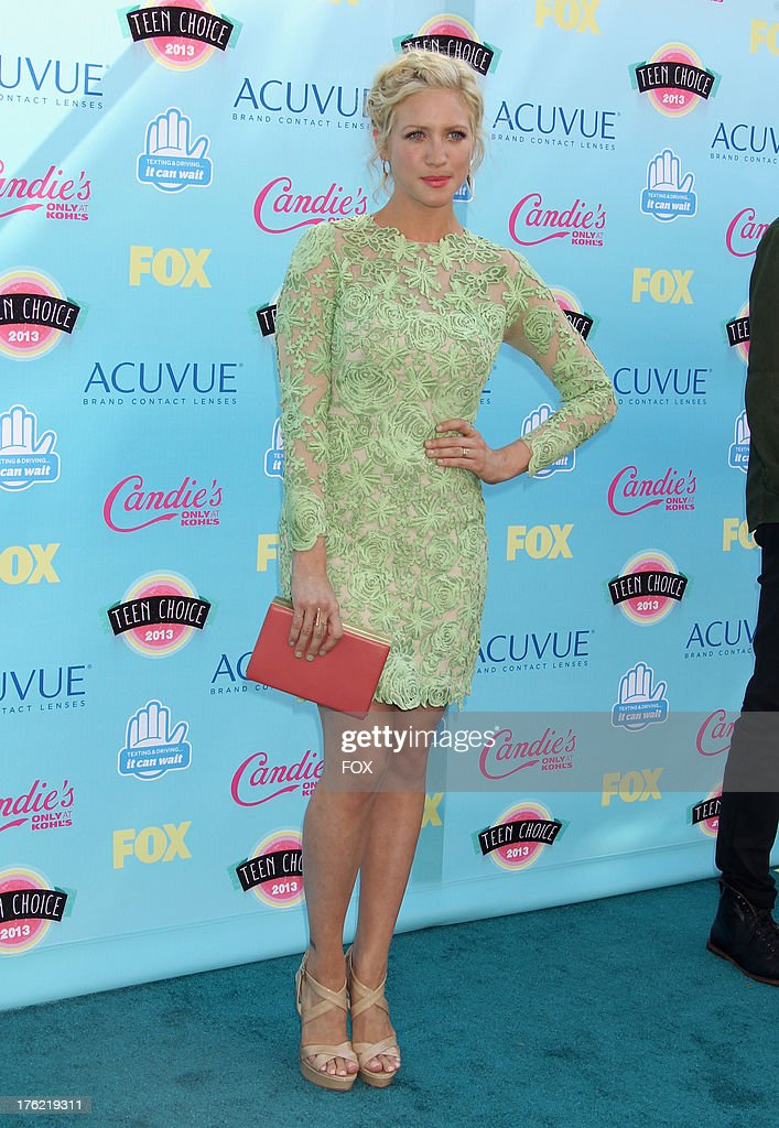 Actress <a gi-track='captionPersonalityLinkClicked' href=/galleries/search?phrase=Brittany+Snow&family=editorial&specificpeople=206624 ng-click='$event.stopPropagation()'>Brittany Snow</a> arrives at the Fox Teen Choice Awards 2013 held at the Gibson Amphitheatre on August 11, 2013 in Los Angeles, California.