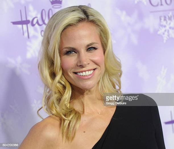 Actress Brooke Burns arrives at the Hallmark Channel and Hallmark Movies and Mysteries Winter 2016 TCA Press Tour at Tournament House on January 8...