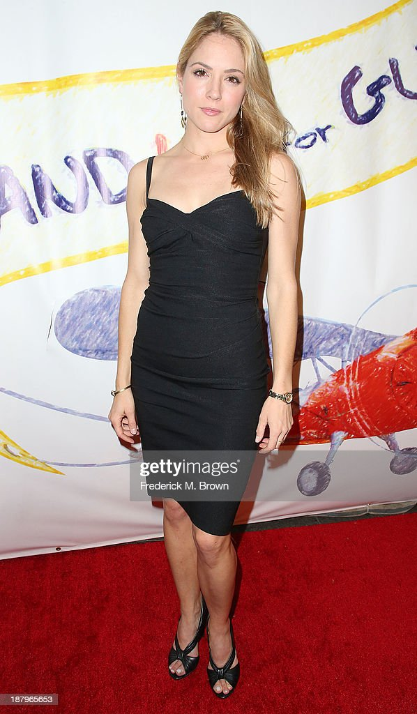 Actress Brooke Nevin attends the 'Stand Up For Gus' Benefit at Bootsy Bellows on November 13, 2013 in West Hollywood, California.