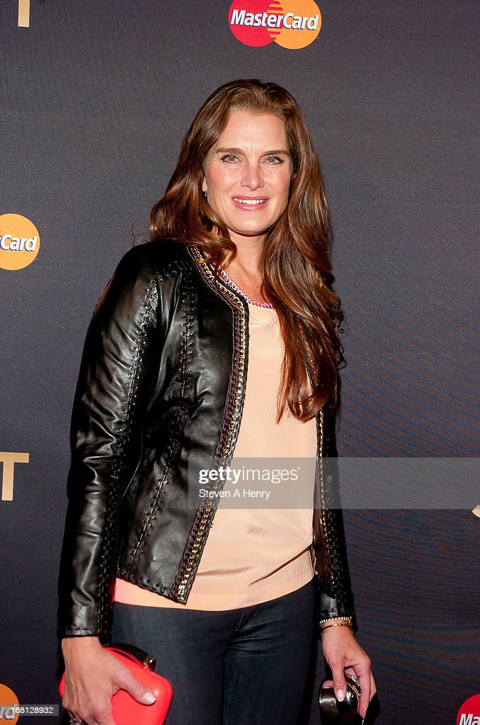Actress <a gi-track='captionPersonalityLinkClicked' href=/galleries/search?phrase=Brooke+Shields&family=editorial&specificpeople=202197 ng-click='$event.stopPropagation()'>Brooke Shields</a> arrives at MasterCard Priceless Premieres Presents Justin Timberlake Roseland Ballroom on May 5, 2013 in New York City.