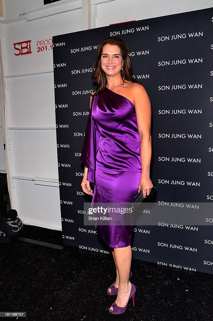 Actress <a gi-track='captionPersonalityLinkClicked' href=/galleries/search?phrase=Brooke+Shields&family=editorial&specificpeople=202197 ng-click='$event.stopPropagation()'>Brooke Shields</a> attends Son Jung Wan during Fall 2013 Mercedes-Benz Fashion Week at The Studio at Lincoln Center on February 9, 2013 in New York City.