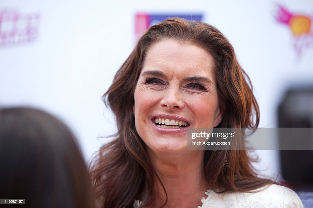 Actress Brooke Shields attends the cast of 'Hot Flashes' and The American Cancer Society celebrate 'Blow Out Cancer' event at Montage Beverly Hills on June 19, 2012 in Beverly Hills, California.