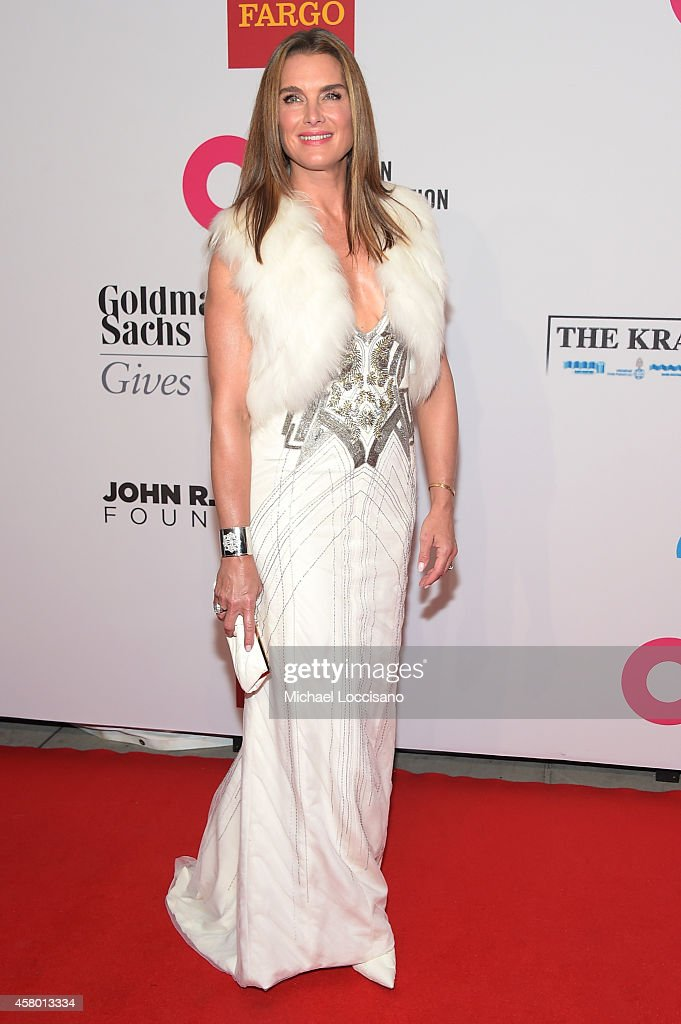 Actress Brooke Shields attends the Elton John AIDS Foundation's 13th Annual An Enduring Vision Benefit at Cipriani Wall Street on October 28 2014 in...