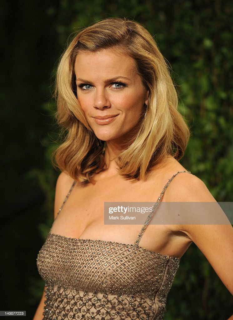 Actress Brooklyn Decker arrives at the 2012 Vanity Fair Oscar Party hosted by Graydon Carter at Sunset Tower on February 26, 2012 in West Hollywood, California.