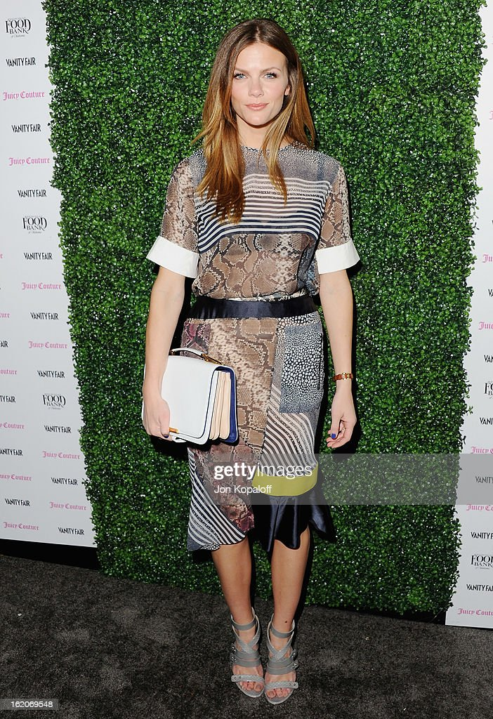 Actress <a gi-track='captionPersonalityLinkClicked' href=/galleries/search?phrase=Brooklyn+Decker&family=editorial&specificpeople=815965 ng-click='$event.stopPropagation()'>Brooklyn Decker</a> arrives at the Vanity Fair And Juicy Couture Celebration Of The 2013 Vanities Calendar at Chateau Marmont on February 18, 2013 in Los Angeles, California.
