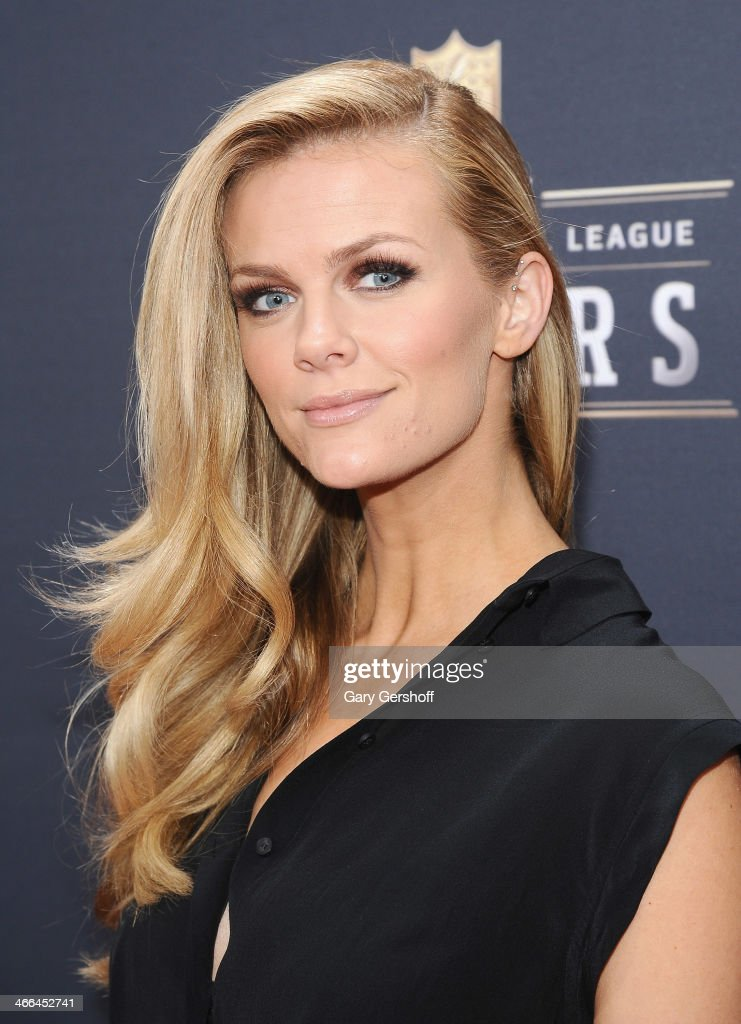 Actress <a gi-track='captionPersonalityLinkClicked' href=/galleries/search?phrase=Brooklyn+Decker&family=editorial&specificpeople=815965 ng-click='$event.stopPropagation()'>Brooklyn Decker</a> attends the 3rd Annual NFL Honors at Radio City Music Hall on February 1, 2014 in New York City.
