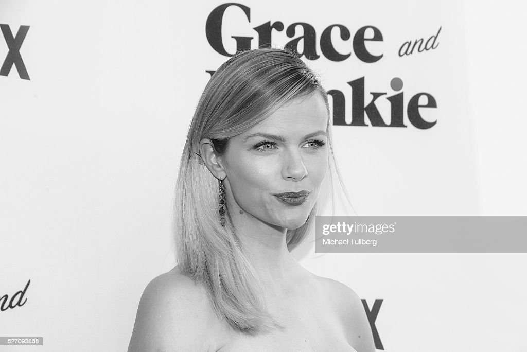 Actress <a gi-track='captionPersonalityLinkClicked' href=/galleries/search?phrase=Brooklyn+Decker&family=editorial&specificpeople=815965 ng-click='$event.stopPropagation()'>Brooklyn Decker</a> attends the premiere of Season 2 of the Netflix Original Series 'Grace & Frankie' at Harmony Gold on May 1, 2016 in Los Angeles, California.