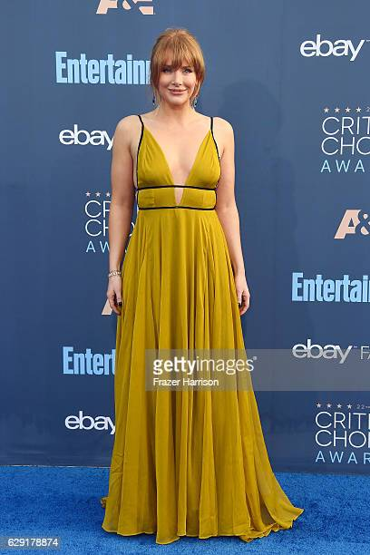 Actress Bryce Dallas Howard attends The 22nd Annual Critics' Choice Awards at Barker Hangar on December 11 2016 in Santa Monica California