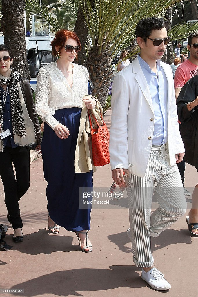 Actress <a gi-track='captionPersonalityLinkClicked' href=/galleries/search?phrase=Bryce+Dallas+Howard&family=editorial&specificpeople=156411 ng-click='$event.stopPropagation()'>Bryce Dallas Howard</a> (L) sighted on 'La Croisette' on May 13, 2011 in Cannes, France.