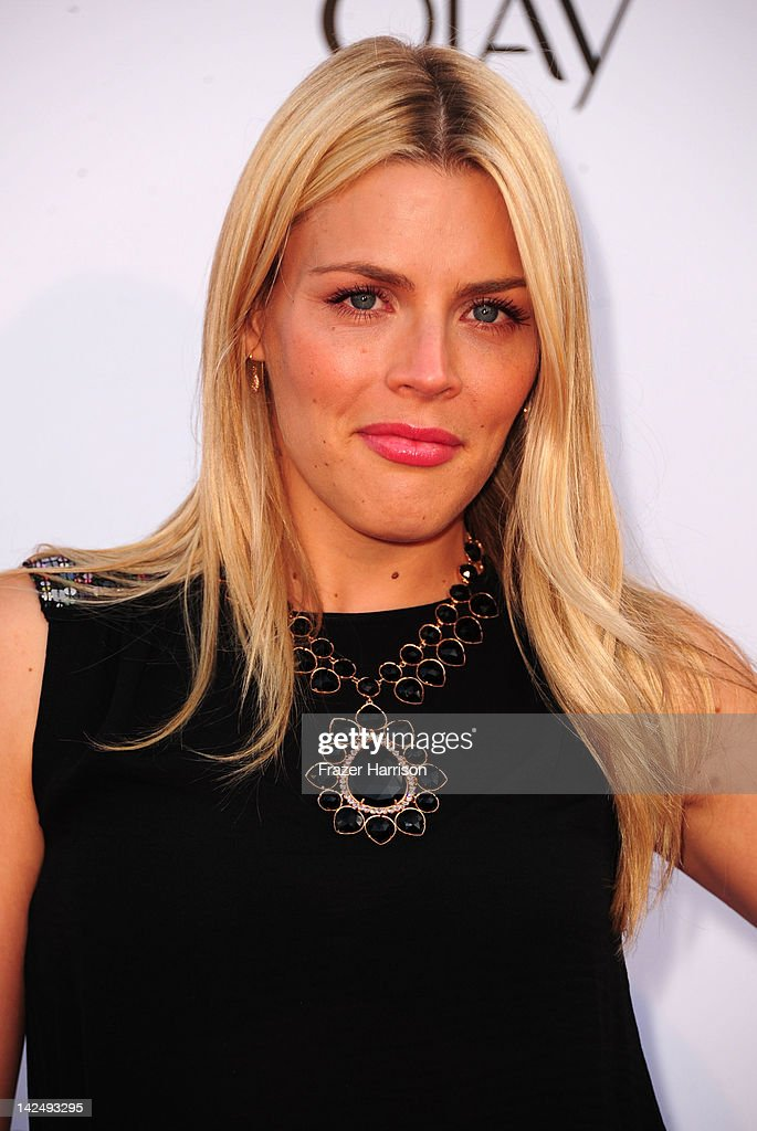 Actress <a gi-track='captionPersonalityLinkClicked' href=/galleries/search?phrase=Busy+Philipps&family=editorial&specificpeople=216133 ng-click='$event.stopPropagation()'>Busy Philipps</a> attends Logo's 'NewNowNext Awards' 2012 at Avalon on April 5, 2012 in Hollywood, California.