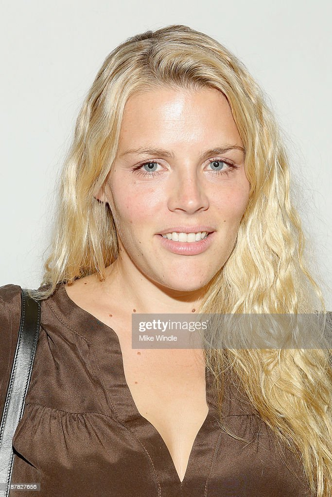 Actress <a gi-track='captionPersonalityLinkClicked' href=/galleries/search?phrase=Busy+Philipps&family=editorial&specificpeople=216133 ng-click='$event.stopPropagation()'>Busy Philipps</a> attends the H&M Isabel Marant VIP Pre Shop Event at H&M on November 12, 2013 in West Hollywood, California.