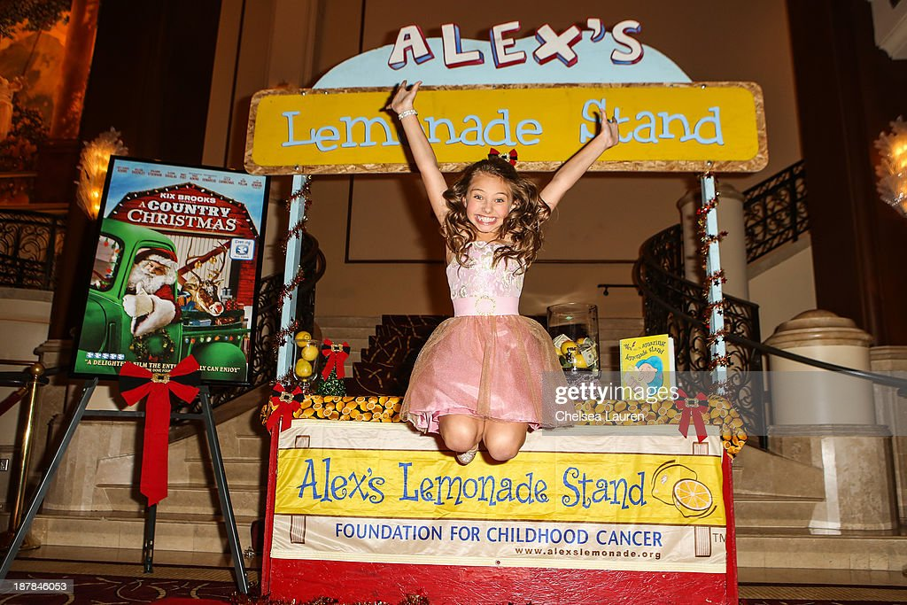 Actress Caitlin Carmichael arrives at A Country Christmas VIP screening hosted by miss Caitlin Carmichael to benefit Alex's Lemonade Stand on November 12, 2013 in Los Angeles, California.