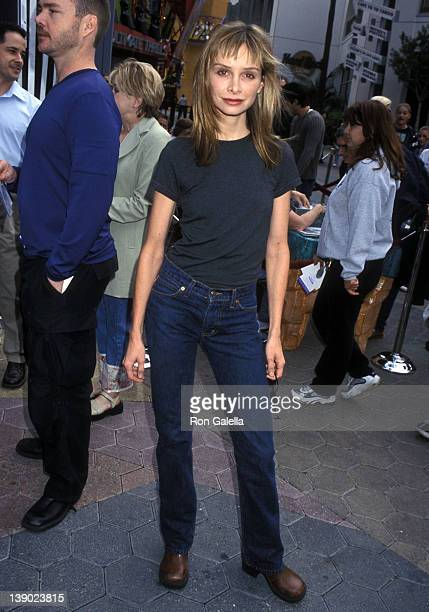 Actress Calista Flockhart attends 'The Flinstones in Viva Rock Vegas' Universal City Premiere on April 15 2000 at Universal Studios Cinemas in...