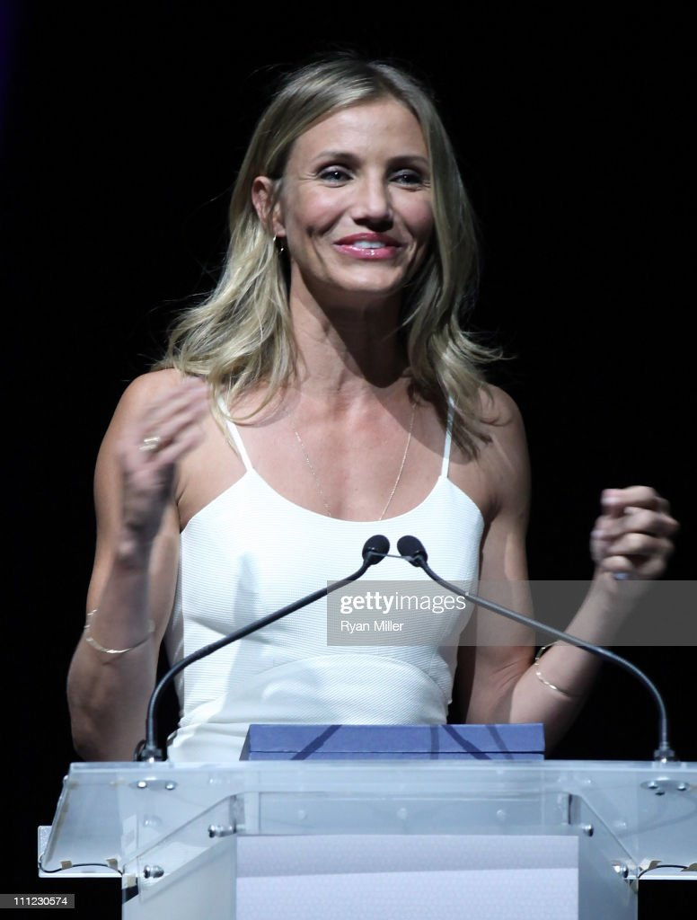 Actress <a gi-track='captionPersonalityLinkClicked' href=/galleries/search?phrase=Cameron+Diaz&family=editorial&specificpeople=201892 ng-click='$event.stopPropagation()'>Cameron Diaz</a> accepts her Female Star of the Year award onstage during CinemaCon, the official convention of the National Association of Theatre Owners, at The Colosseum of Caesars Palace on March 30, 2011 in Las Vegas, Nevada.