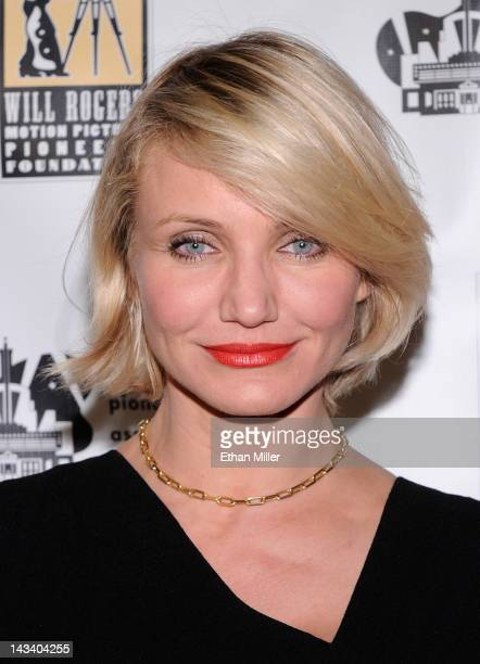 Actress Cameron Diaz arrives at a Will Rogers Motion Picture Pioneers Foundation dinner honoring DreamWorks Animation CEO Jeffrey Katzenberg with the...