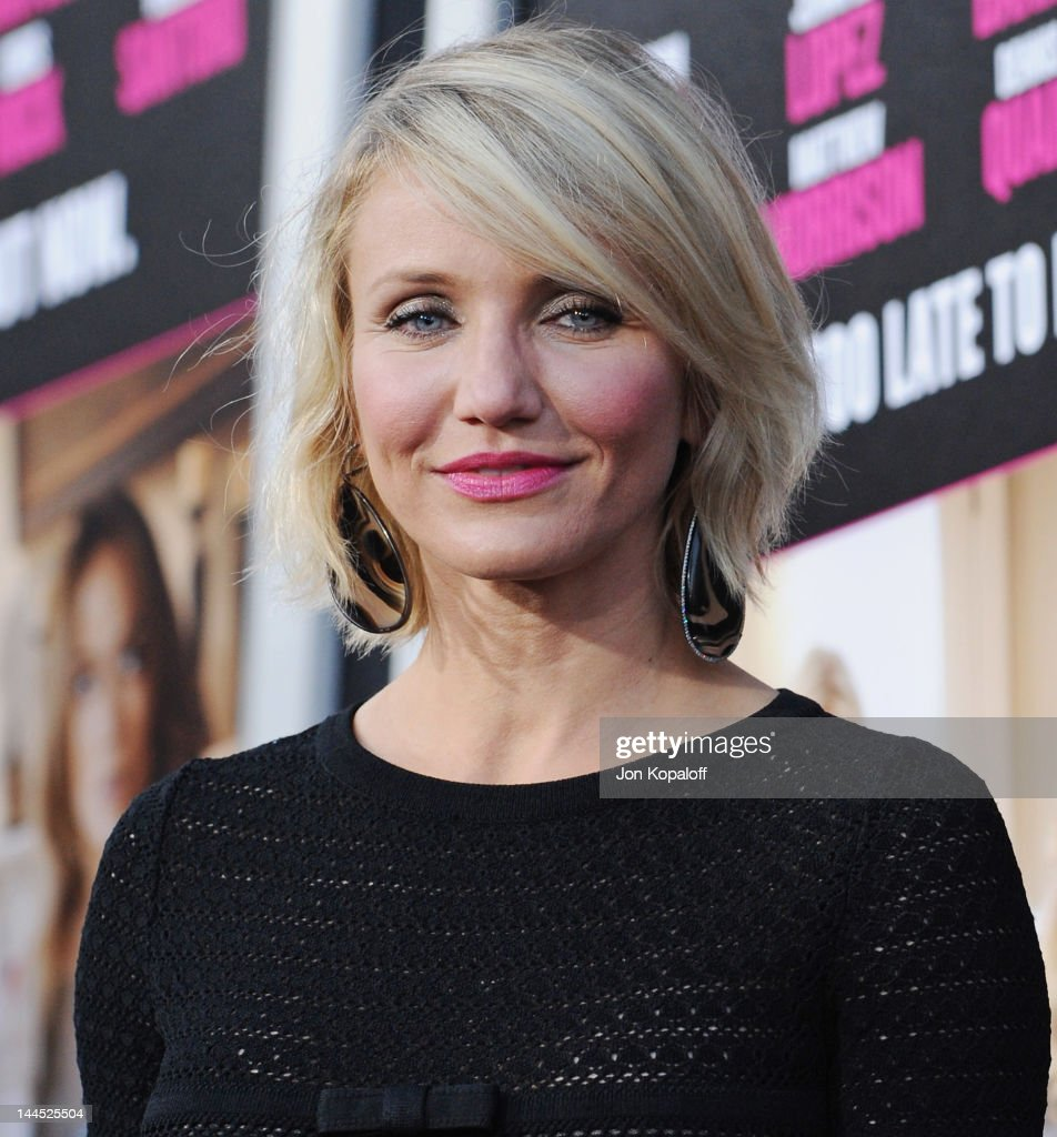 Actress <a gi-track='captionPersonalityLinkClicked' href=/galleries/search?phrase=Cameron+Diaz&family=editorial&specificpeople=201892 ng-click='$event.stopPropagation()'>Cameron Diaz</a> arrives at the Los Angeles Premiere 'What To Expect When You're Expecting' at Grauman's Chinese Theatre on May 14, 2012 in Hollywood, California.