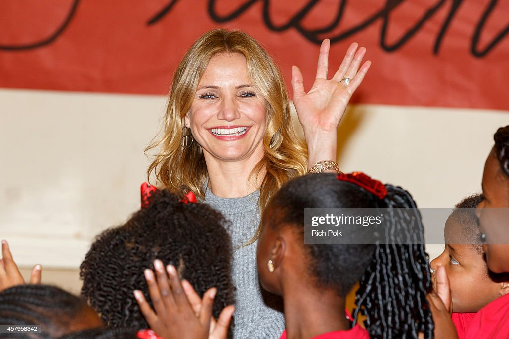 Actress Cameron Diaz attends a Turnaround Arts Los Angeles Event with the Cast Of 'Annie' on October 27 2014 in Inglewood California