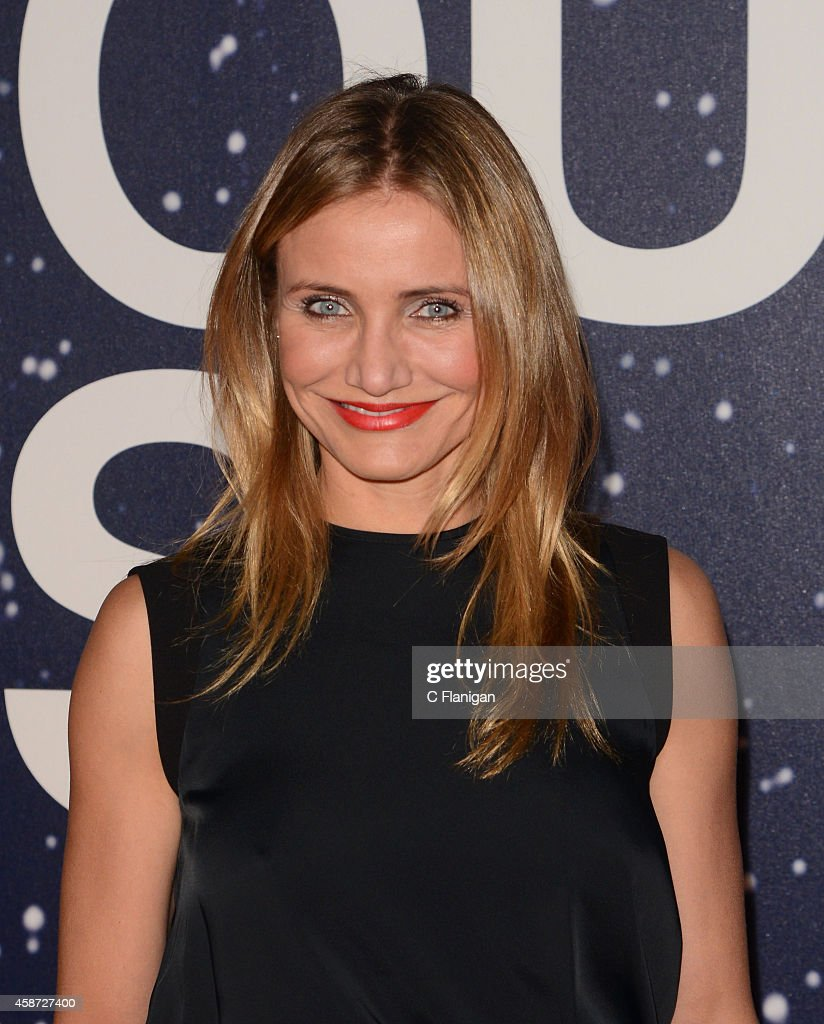 Actress <a gi-track='captionPersonalityLinkClicked' href=/galleries/search?phrase=Cameron+Diaz&family=editorial&specificpeople=201892 ng-click='$event.stopPropagation()'>Cameron Diaz</a> attends the 2014 Breakthrough Prize Awards at NASA AMES Research Center on November 9, 2014 in Mountain View, California.