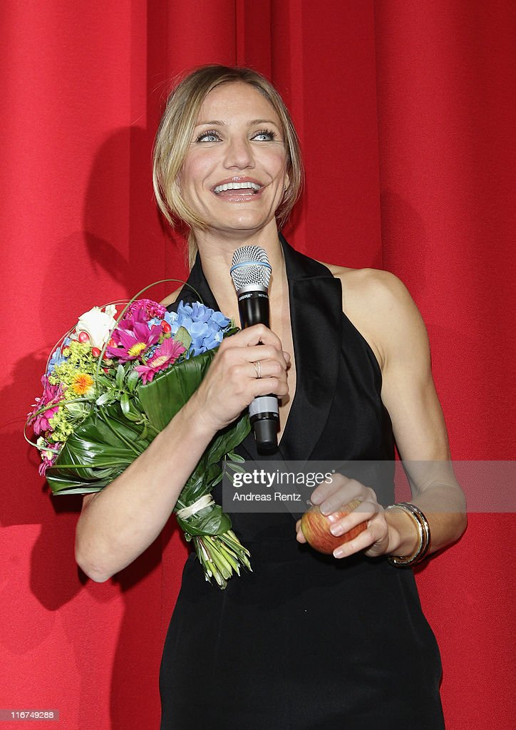 Actress Cameron Diaz attends the 'Bad Teacher' Germany Premiere at Cinestar on June 17, 2011 in Berlin, Germany.