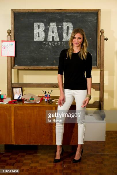 Actress Cameron Diaz attends the 'Bad Teacher' London photocall at the Dorchester Hotel on June 16 2011 in London England Bad Teacher opens across...