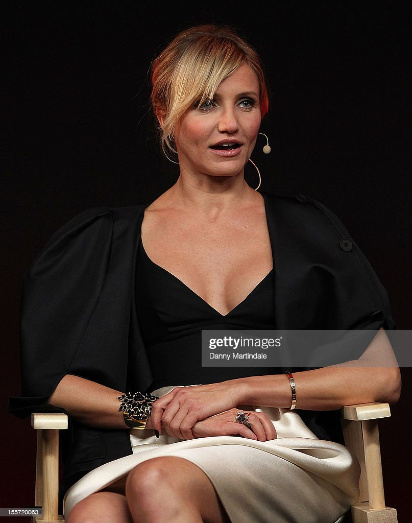 Actress <a gi-track='captionPersonalityLinkClicked' href=/galleries/search?phrase=Cameron+Diaz&family=editorial&specificpeople=201892 ng-click='$event.stopPropagation()'>Cameron Diaz</a> attends the Meet The Filmmakers event for Gambit at Apple Store, Regent Street on November 7, 2012 in London, England.