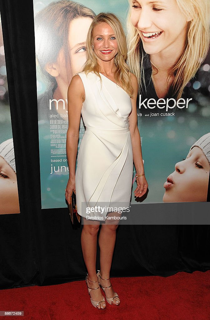 Actress Cameron Diaz attends the premiere of 'My Sister's Keeper' at the AMC Lincoln Square theater on June 24, 2009 in New York City.