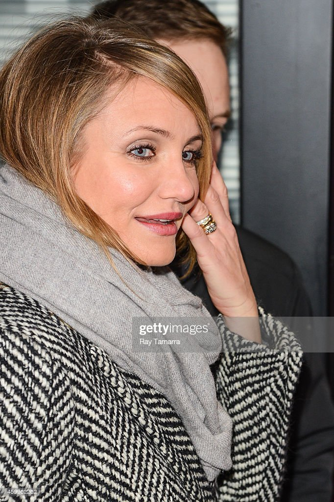 Actress <a gi-track='captionPersonalityLinkClicked' href=/galleries/search?phrase=Cameron+Diaz&family=editorial&specificpeople=201892 ng-click='$event.stopPropagation()'>Cameron Diaz</a> enters the 'Good Morning America' taping at the ABC Times Square Studios on December 4, 2014 in New York City.