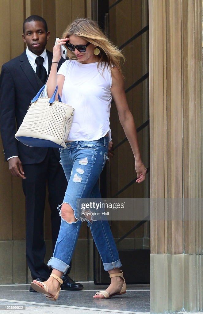 Actress <a gi-track='captionPersonalityLinkClicked' href=/galleries/search?phrase=Cameron+Diaz&family=editorial&specificpeople=201892 ng-click='$event.stopPropagation()'>Cameron Diaz</a> is seen in Midtown on July 29, 2014 in New York City.